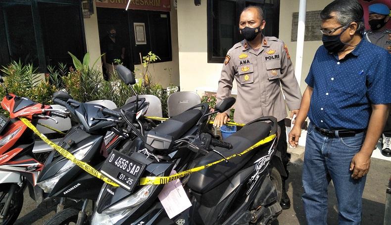 Gegara Ngebut Pakai Motor Tanpa Pelat Nomor, 2 Begal Diringkus Polisi di Cimahi