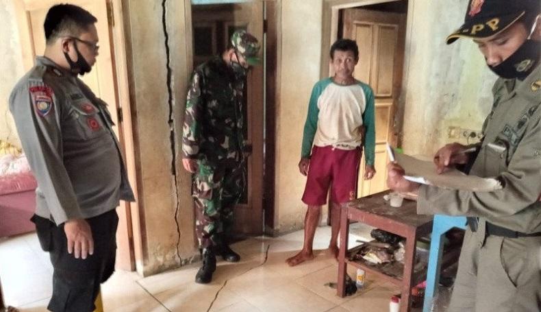 Tanah Bergerak di Tanjungmedar Sumedang, 16 Rumah Rusak dan 63 Jiwa Mengungsi