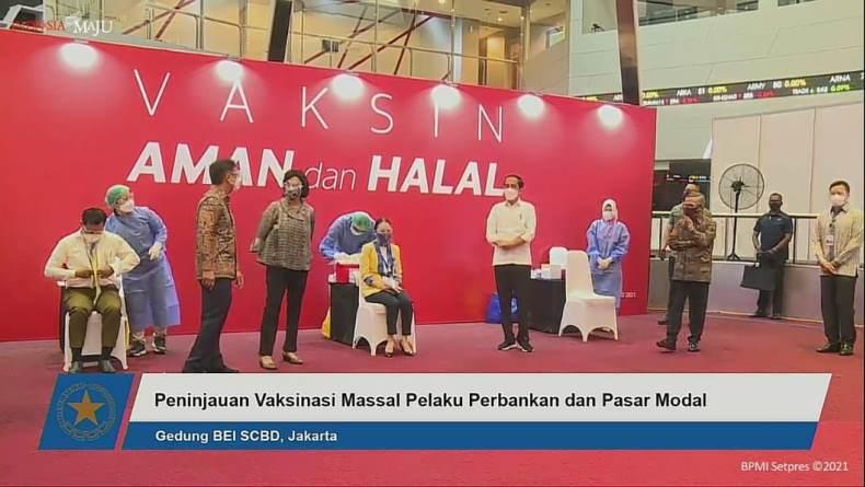 Jokowi: Kita Akan Vaksinasi Besar-besaran di Perbankan dan Pasar Modal