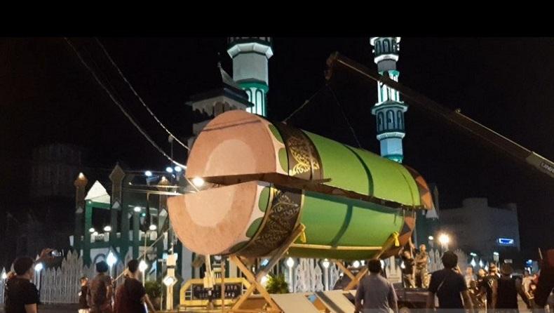 Beduk Raksasa di Masjid Raya Singkawang, Dibuat selama 14 Hari dengan Panjang 7 Meter