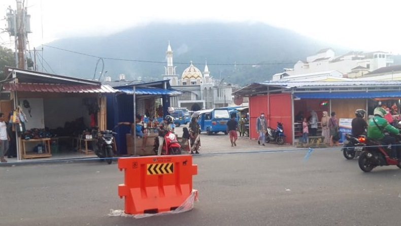 Diduga Picu  Kemacetan, Lapak Pedagang di Terminal Gamalama Ternate Dibongkar