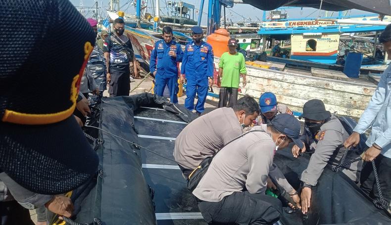 Cari 17 ABK yang Hilang di Perairan Indramayu, Tim BSG Lakukan Penyelaman