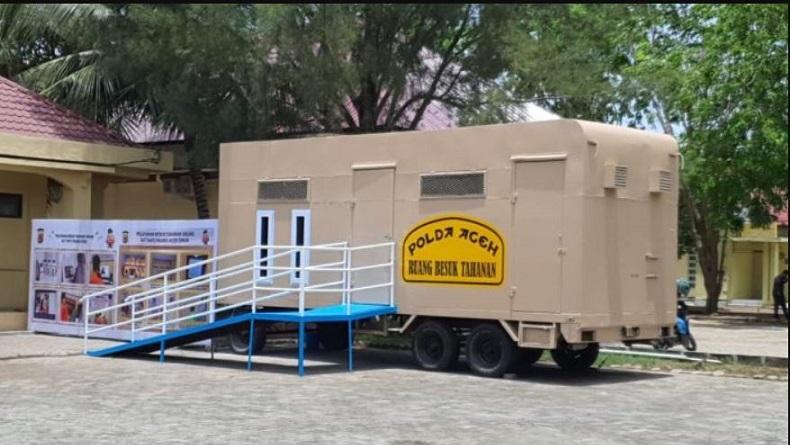 Unik, Mobil Polisi Jenis Caravan Bekas Ini Disulap Jadi Tempat Besuk Tahanan Online
