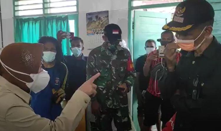 Mensos Risma Marah-Marah saat Tinjau Korban Bencana di Flores Timur NTT