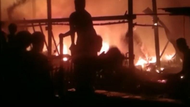 Terdengar Ledakan saat Kebakaran Rumah Warga di Pangkep
