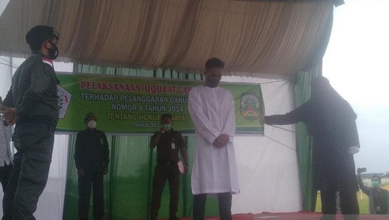 Terbukti Zina, 3 Pelanggar Syariat Islam di Aceh Dijatuhi Hukuman 100 Kali Cambuk