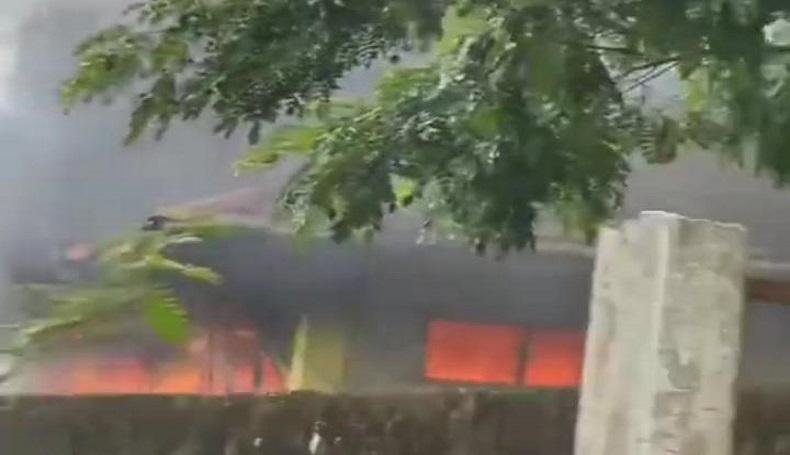 Masjid di Cianjur Terbakar Hebat, Netizen: Seumur Hidup Baru Denger Masjid Kebakaran