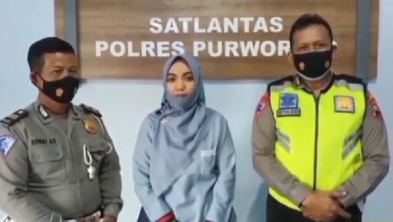 Viral Pemotor Perempuan Pamer Ugal-Ugalan di Jalan, Akhirnya Minta Maaf ke Polisi