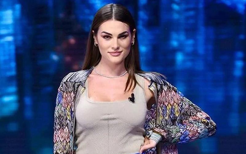 Francesca Novello, Pacar Rossi Akui Bokongnya Sering Dijamah Lelaki Mesum