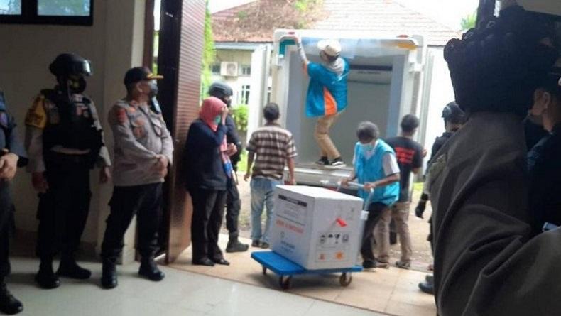 18.000 Vial Vaksin Covid untuk Sulsel Tiba di Makassar