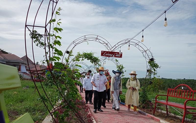 Wisata Kebun Edukasi di Belakang Rumdin Bupati Lampung Selatan Diserbu Warga