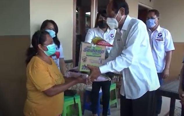 Partai Perindo Salurkan Bantuan Paket Sembako bagi Korban Bencana di NTT