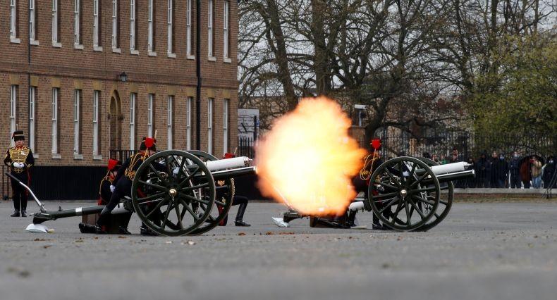 Penghormatan bagi Pangeran Philip, Dentuman Artileri Terdengar di Penjuru Inggris