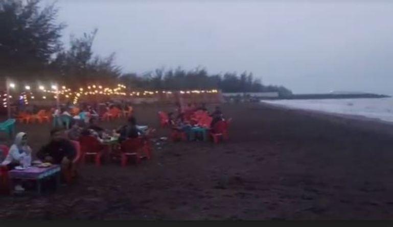 Pantai Seribu Cemara, Lokasi Favorit saat Menunggu Waktu Buka Puasa