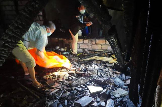 Kebakaran Rumah saat Salat Tarawih, Janda di Lamongan Tewas Terpanggang