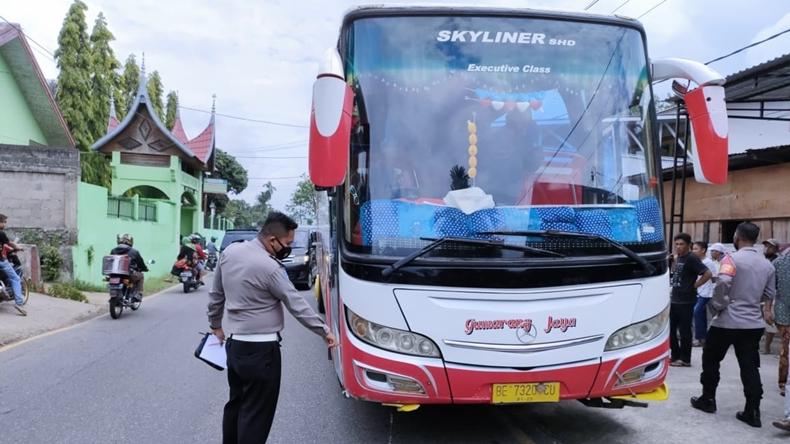 Sambar 3 Pelajar hingga Tewas, Sopir Bus Gumarang Jaya Jadi Tersangka
