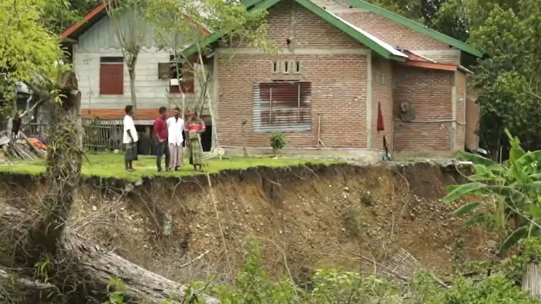 Tanah Terus Turun, Warga di Aceh Besar Waswas