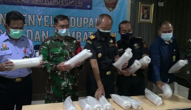 Bea Cukai Juanda Gagalkan Penyelundupan 80.000 Benih Lobster ke Batam