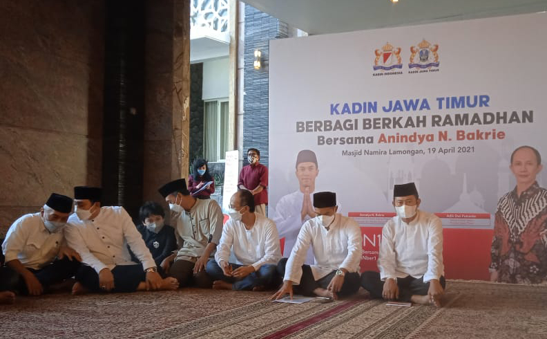 Bangun Kerja Sama, Waketum Kadin Anindya Bakrie Safari Ramadan ke Masjid Namira Lamongan