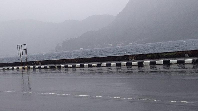 Kepulauan Sangihe Dilanda Hujan Deras dan Angin Kencang, BPBD Minta Warga Waspada