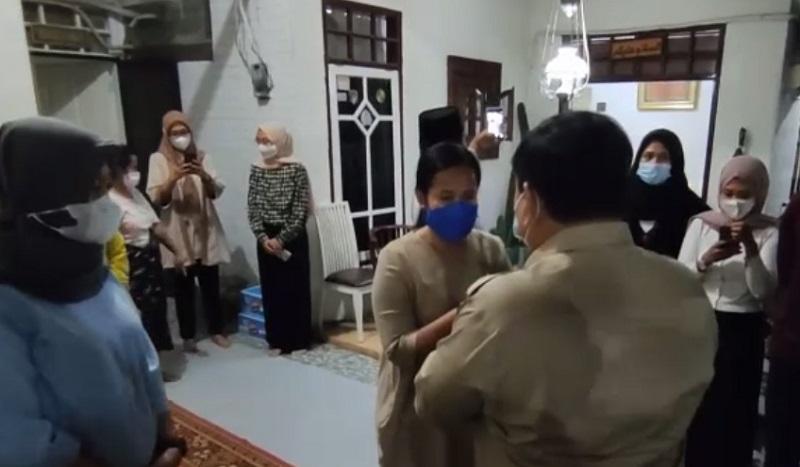 Menhan Prabowo Kunjungi Keluarga Komandan KRI Nanggala 402, Ini Janjinya
