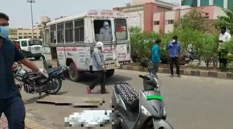 Gambaran Dahsyatnya Wabah Covid India, Pasien Loncat dari RS dan Mayat Jatuh dari Ambulans