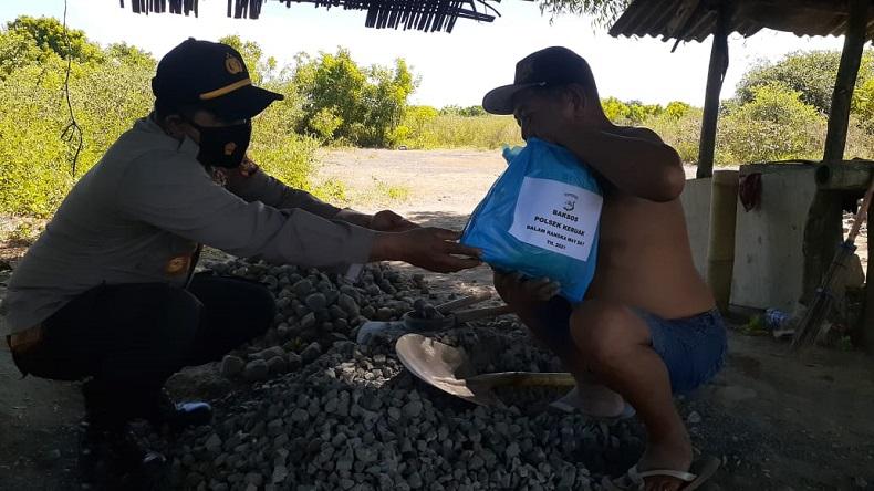 Tak Disangka-sangka, Polisi Malah Lakukan Hal Ini saat May Day di Lombok