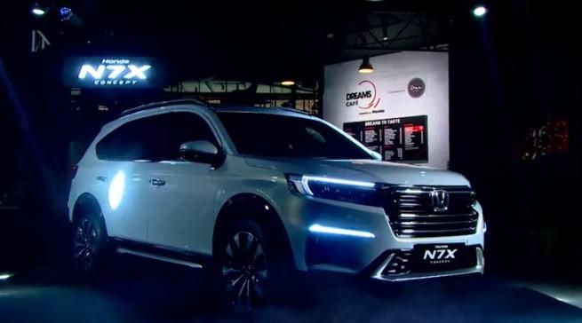 Honda Luncurkan Mobil Konsep 7 Penumpang Khusus Pasar Indonesia N7X Concept