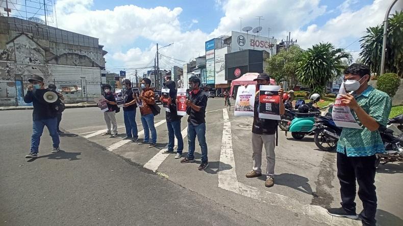 Peringati Hari Kebebasan Pers Sedunia, Puluhan Jurnalis Medan Gelar Aksi Damai