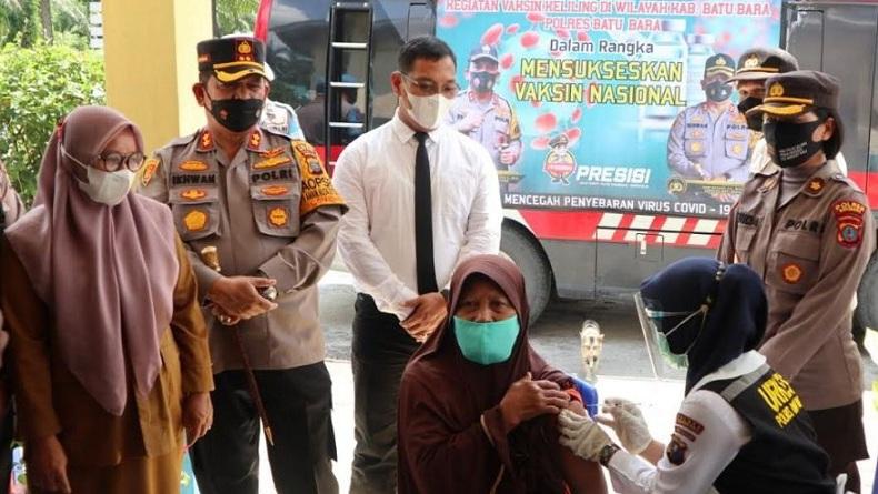 Cek Vaksinasi Keliling, Kapolres Batubara: Tidak Perlu Ragu dan Takut Divaksin
