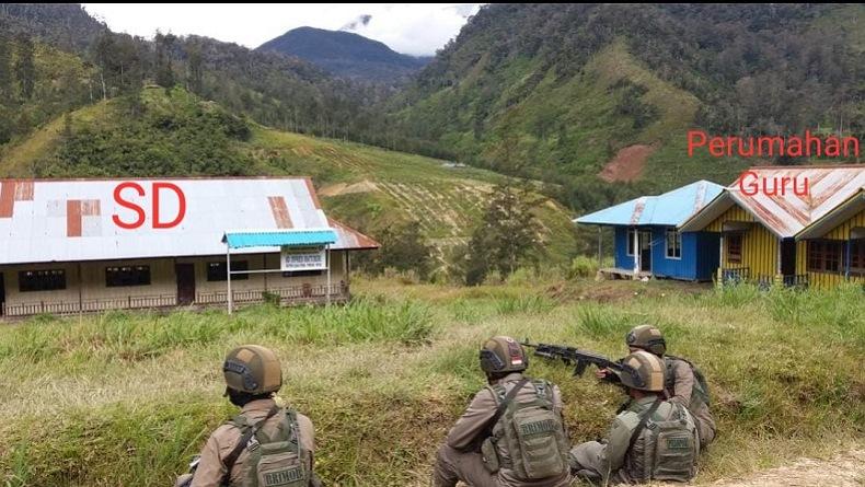 Bertambah Brutal, KKB Bakar Sekolah hingga Puskesmas di Ilaga Papua