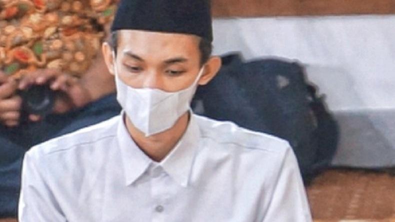 Hafiz Asal Mojokerto Lolos Jadi Imam Masjid Besar di UEA, Ini Pesan Gubernur Khofifah