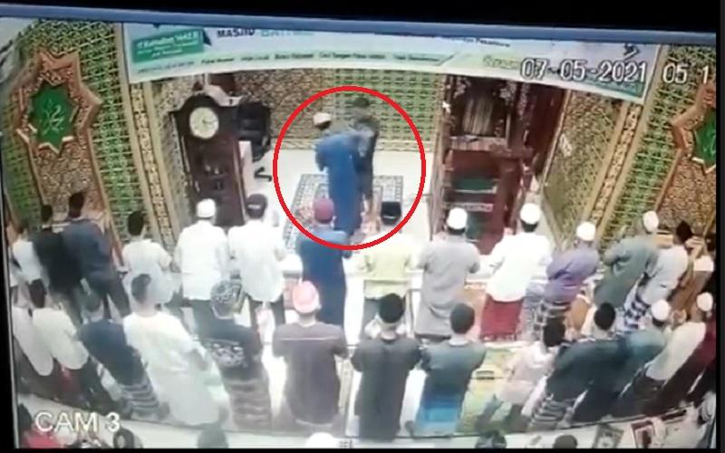 Kronologi Imam Masjid di Pekanbaru Dianiaya Pemuda Stres saat Salat Subuh