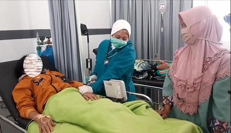 Usai Santap Olahan Kulit Sapi, Puluhan Warga Cibeber Cianjur Dilarikan ke Puskesmas