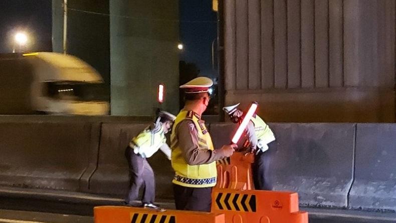530 Kendaraan Dipaksa Putar Balik saat Tiba di Gerbang Tol Cikarang Barat