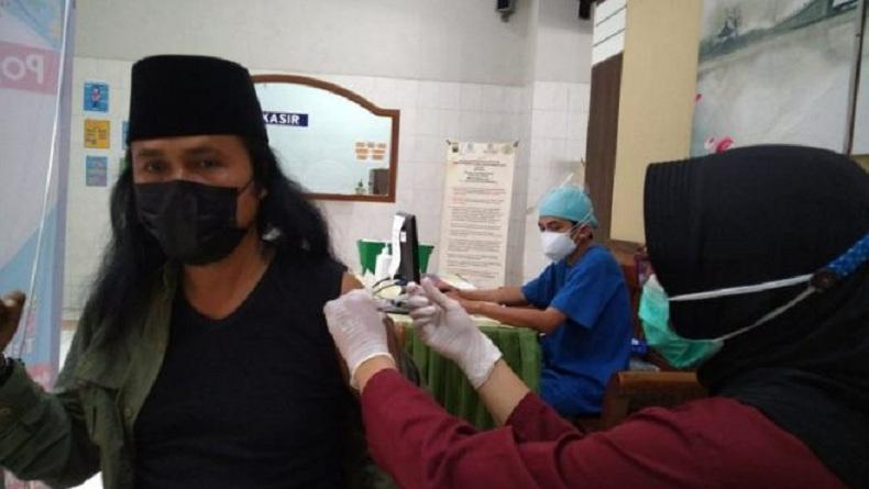 Sambut Libur Lebaran, Lebih dari 500 Pegiat Wisata di Tulungagung Divaksinasi