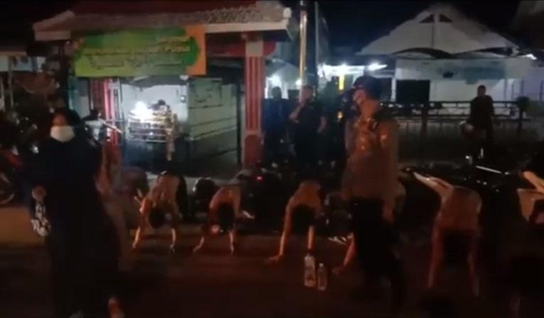 Keterlaluan, 13 Remaja Ini Pesta Miras di Pojok Masjid Jami Jember