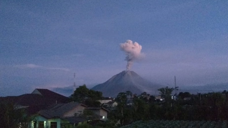 Gunung Sinabung 2 Kali Erupsi di Hari Pertama Lebaran