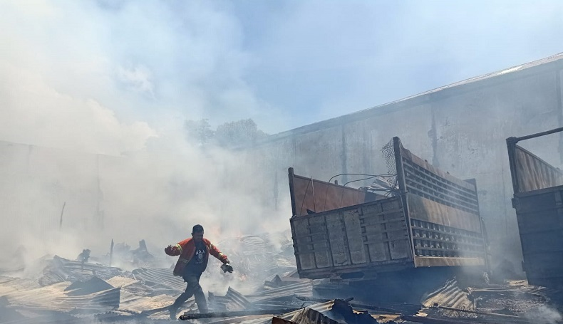 Tiga Gudang di Ternate Terbakar, Kerugian Materiil Miliaran