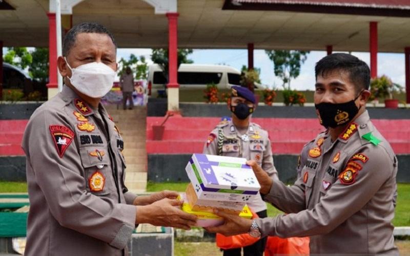 Kunjungi SPN Betung, Kapolda Sumsel Bagikan Multi Vitamin ke Siswa Sekolah Polisi