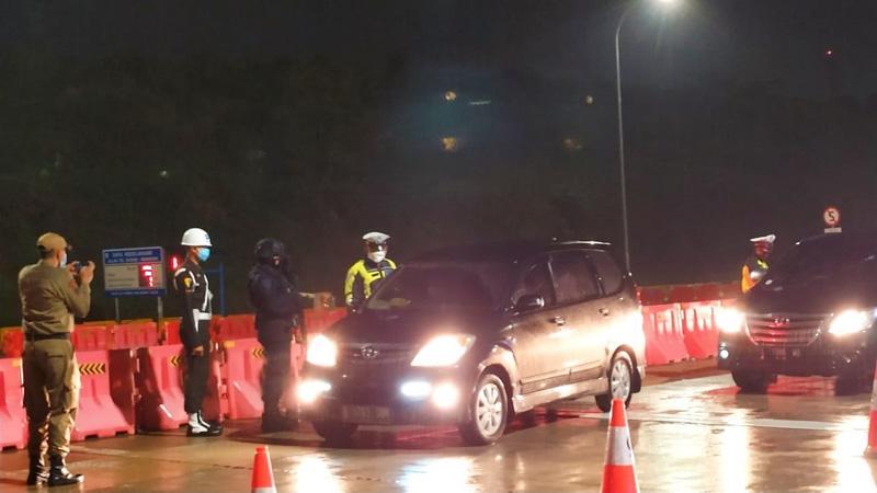 Penyekatan Arus Balik Kendaraan Pemudik Masih Diberlakukan di Tol Kalikangkung