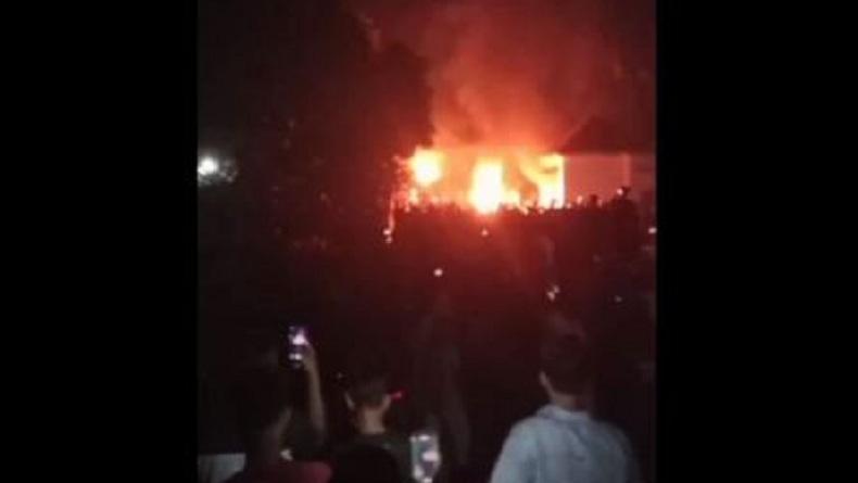 10 Perusak dan Pembakar Mapolsek Candipuro Jadi Tersangka, 9 Ditahan