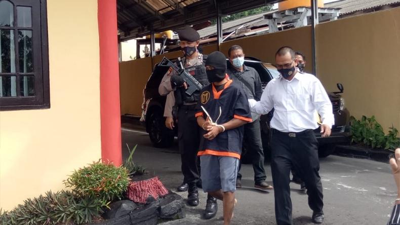 Pacar Minta Magic Com, Buruh Bangunan di Kalteng Mencuri dan Pukuli Bocah Pakai Palu
