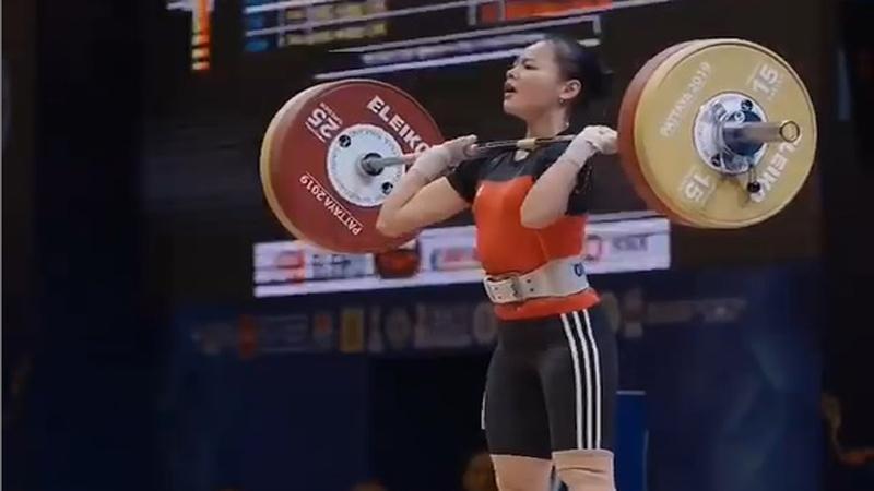 Lifter Muda Indonesia Windy Cantika Siap Bikin Kejutan di Olimpiade 2020