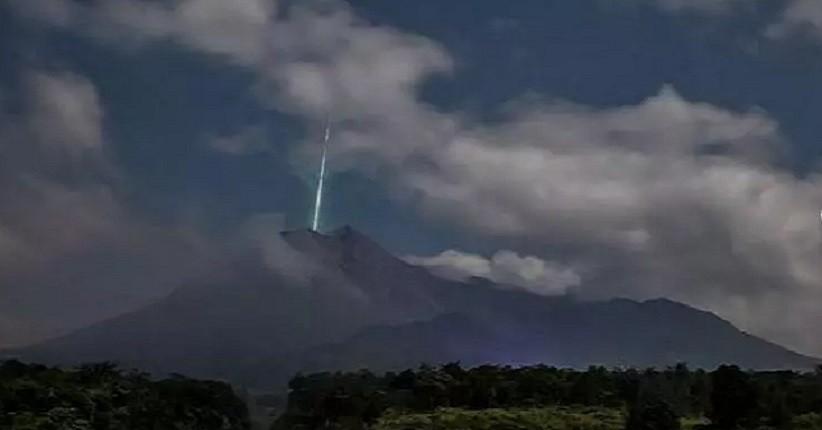Heboh Foto Diduga Meteor Jatuh di Gunung Merapi, Begini Kata LAPAN