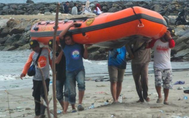 2 Remaja di Aceh Barat Daya Hilang Digulung Ombak Pantai Jilbab