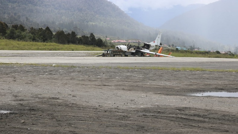 KKB Juga Bakar Pesawat Rusak di Bandara Ilaga