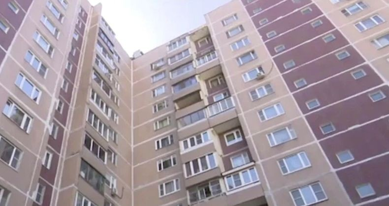 Duh, Bocah 1 Tahun Tewas Jatuh dari Apartemen saat Orangtua Asyik Mabuk