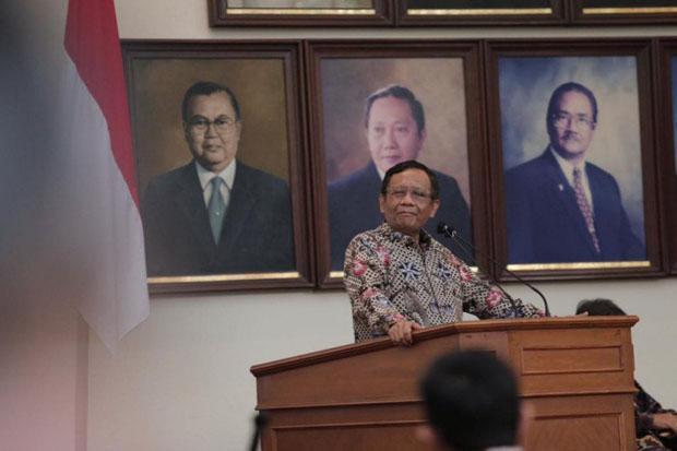 Mahfud MD Ajak Akademisi di DIY Perbaiki Moral Bangsa