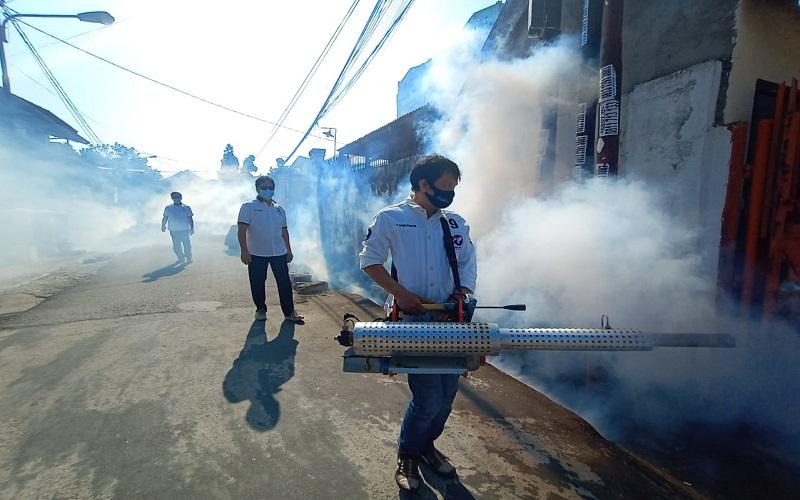 Berantas DBD, Perindo Sumsel Fogging Permukiman Warga di Palembang